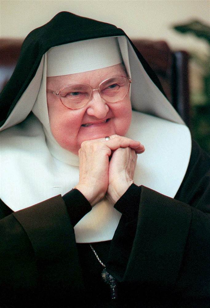 160327-mother-angelica_e4049564728c14262934ef1ed5c6ea21.nbcnews-ux-2880-1000