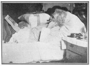 Twain_writing_in_bed_jpg_600x458_q85
